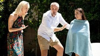 Babá Aidra Fox bunda dedo & cum no rosto