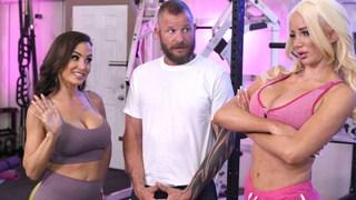 As estrelas porno devoram Personal Trainer durante o treino