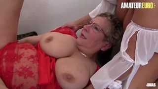 AMATEUR EURO – Delicious German FFM Sex With Hot And Horny Amateurs (Erna & Sexy Susi)